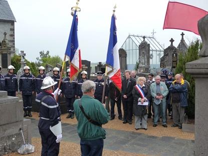 8-mai-commune-de-st-pierre-le-chastel
