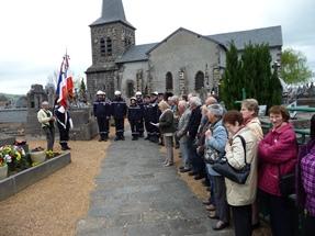 ceremonie-8-mai-2013-a-saint-pierre-le-chastel